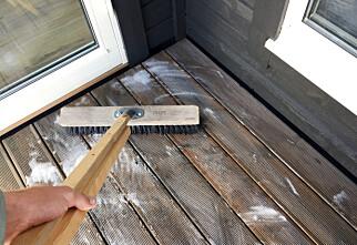 Å vaske terrassen er ikke komplisert