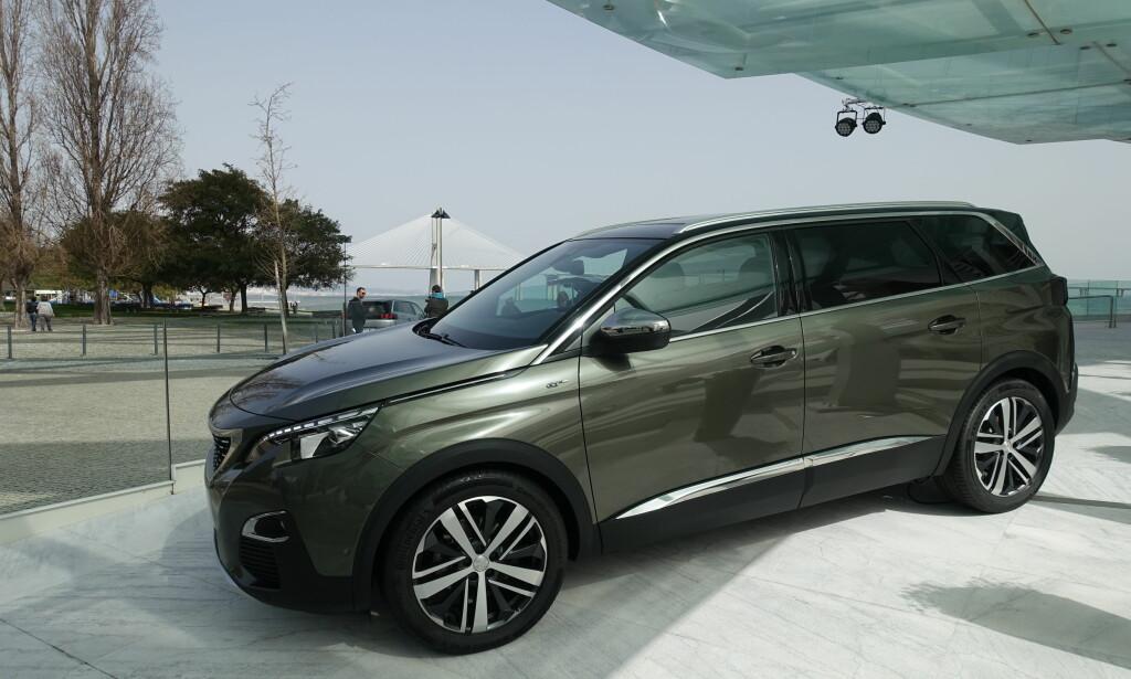 Elegant: Peugeot 5008 er stor nok for 7 seter, noe som også gjør den stor nok som varebil. Foto: Fred Magne Skillebæk