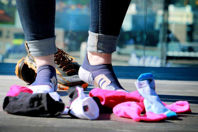 image: - Det er første gang jeg har hatt på meg en sokk som faktisk har klart å gjøre meg irritert