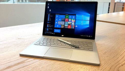 KONKURRENT: MIcrosoft Surface Book ligger i samme prisleie og må ses på som en åpenbar konkurrent. Foto: Bjørn Eirik Loftås