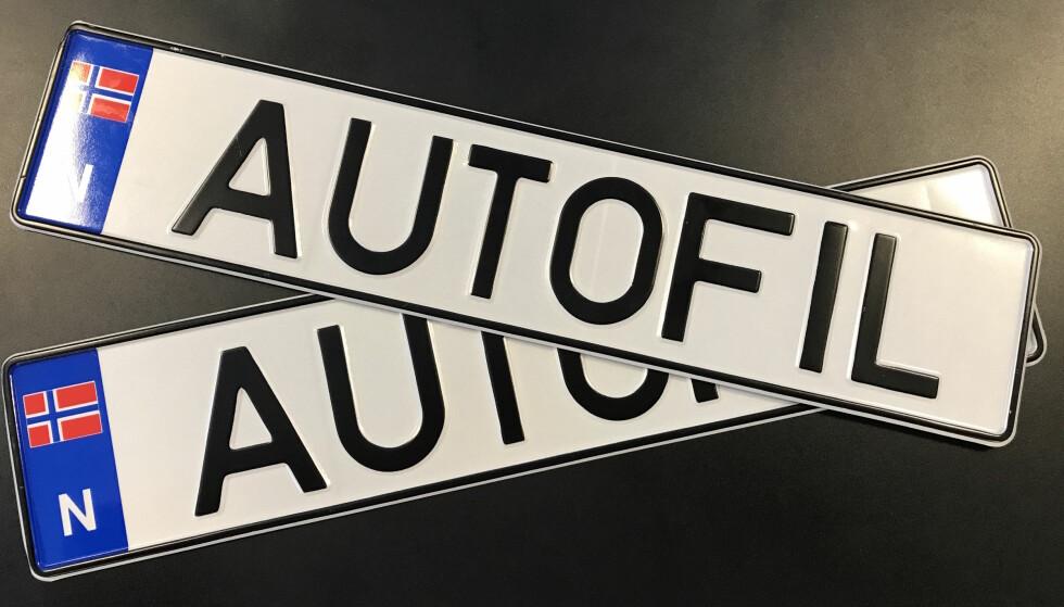 PERSONLIGE BILSKILT: Slik kan de nye personlige bilskiltene se ut. Foto: Øystein Fossum