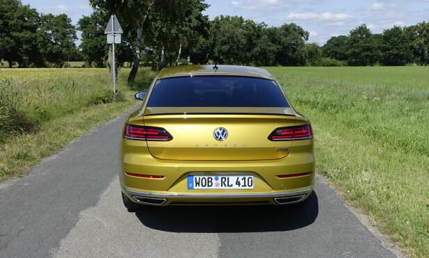 SNART I NORGE: Forhåndsbestillingene er i gang og Volkswagen-importøren tror de vil selge 300 Arteon i løpet av året. Foto: Knut Moberg