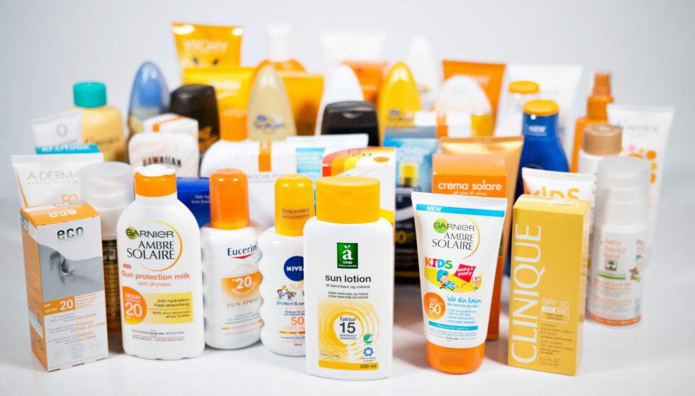 KUN 8 av 45 FÅR BESTÅTT: Forbrukerrådet har sjekket innholdsstoffene i solkremer, og funnet allergifremmende og hormonforstyrrende stoffer i mange. Kun 8 av 45 solkremer får bestått. Foto: Forbrukerrådet