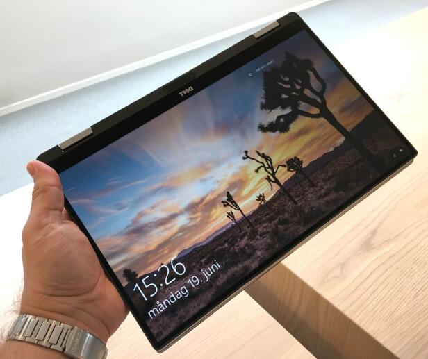 NETTBRETT: Her bruker vi maskinen i nettbrettmodus. Legg merke til at vi fikk den levert med nynorsk Windows 10 fra Dell i Irland. Foto: Bjørn Eirik Loftås