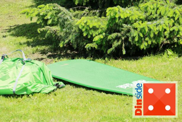Easy Camp lite selvoppblåsbart liggeunderlag, 2,5 cm. Foto: Hanna Sikkeland