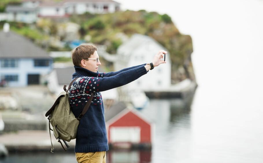 TYPISK NORSK Å VÆRE DYR: Vi har det fint. Og vi tjener godt. Men det koster å være norsk, også når vi bruker mobiltelefonen. I Nordisk sammenheng har vi svært høye priser, men det finnes land som er dyrere enn oss, også. Foto: Shutterstock / NTB Scanpix