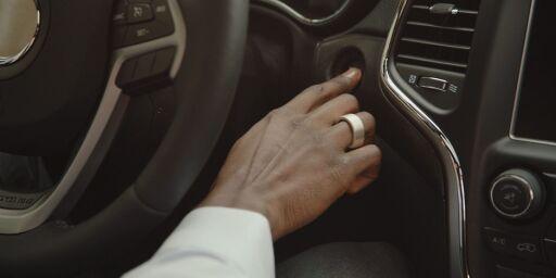 image: Med denne ringen på fingeren trenger du hverken kort eller bilnøkler
