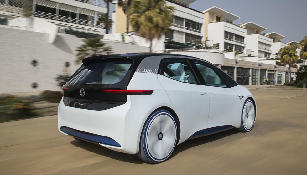 SOM EN GOLF: VW I.D. er på størrelse mellom en Polo og en Golf, men med enda lengre akselavstand. Foto: Ingo Barenschee