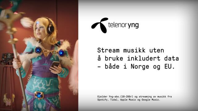 LITEN SKRIFT: Telenor Yng-reklamene forteller i liten skrift at «musikk» bare betyr de største tjenesten Spotify, Tidal, Apple Music og Google Music. Foto: Telenor