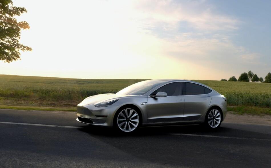 TESLA MODEL 3: Elon Musk bekrefter at de nå vil starte produksjonen av den billigste versjonen av Tesla allerede førstkommende fredag. Foto: Tesla