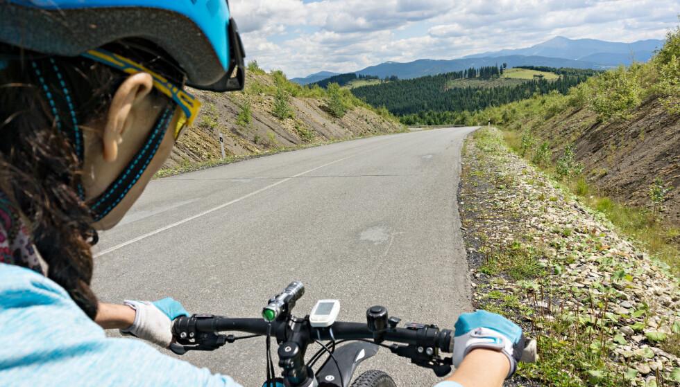 TEST AV SYKKELHJELMER: En svensk test av sykkelhjelmer avslører store forskjeller. Foto: Shutterstock/NTB Scanpix