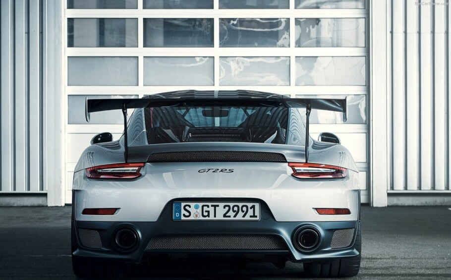 Porsche 911 GT2 RS: Den nye bilen er tidenes kraftigste utgave av klassikeren 911. Foto: Porsche