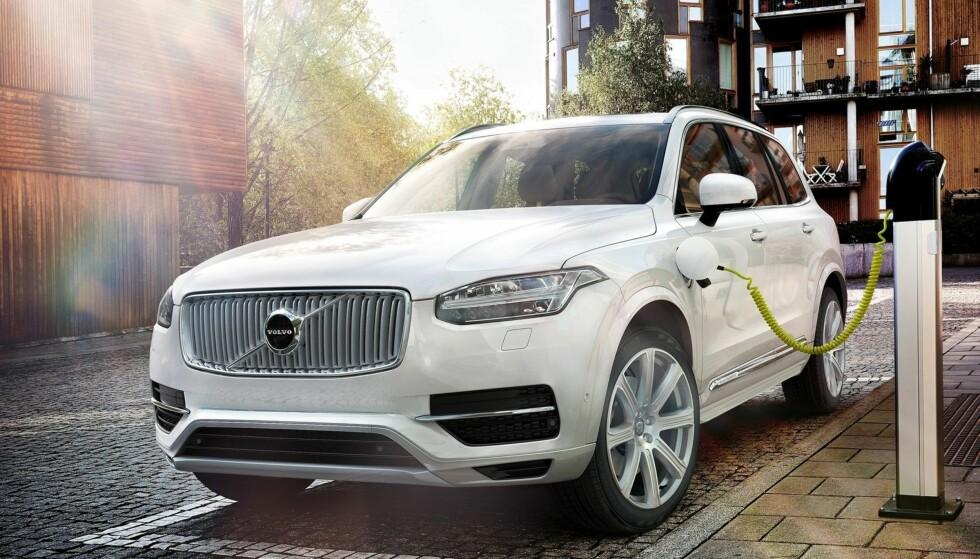 BLIR HELELELTRISK: SUV-en Volvo XC90 finnes allerede som ladbar hybrid. Nå skal den også bli elbil. Foto: Produsenten