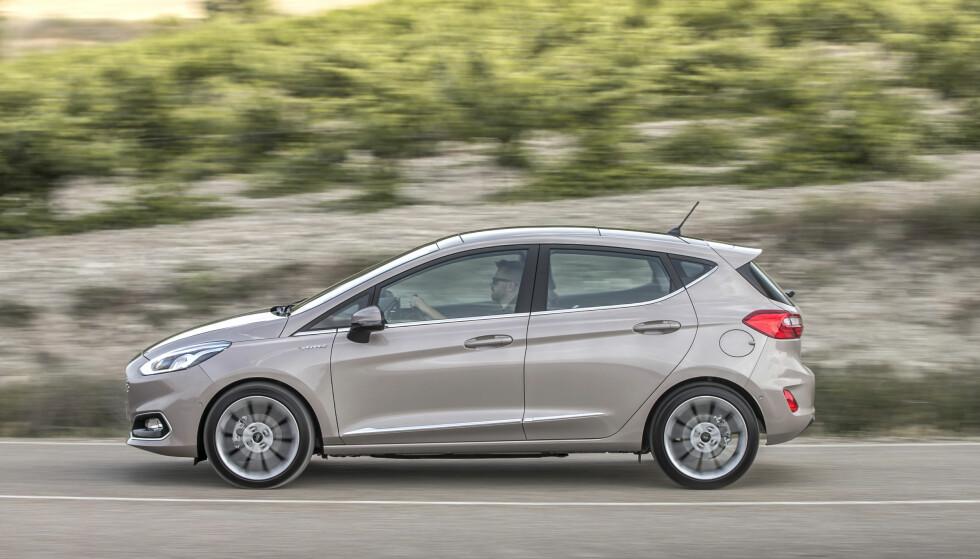 Velkjent: Ingen tvil. Bilen er og blir en Fiesta, med sterkt slektskap til forgjengeren. Foto: Ford