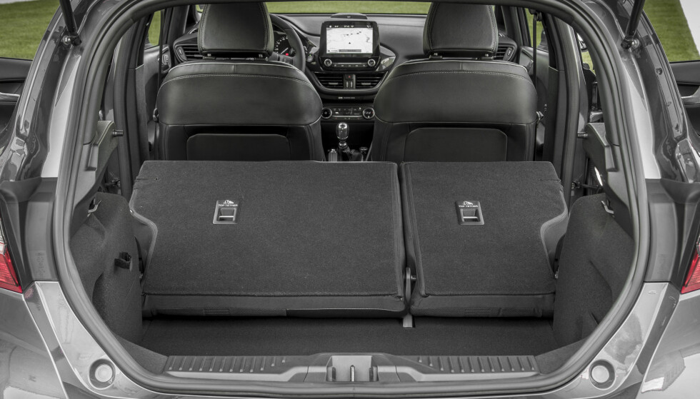 Fleksibelt: Bagasjerommet måler fra 292 til 1.093 liter, avhengig av seterygger. Foto: Ford