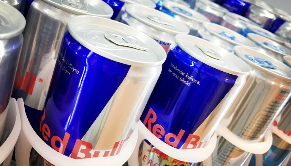 FØRST UTE: Etter at energidrikker ble tillatt solgt i Norge, ble den første tillatelsen gitt til Red Bull i 2009. Foto: Ole Petter Baugerød Stokke