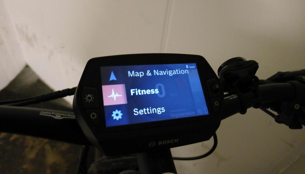 MANGE VALG: Bosch Nyon lar deg velge mellom flere ulike skjermer, avhengig om du vil følge med på hastighet, formkurve eller sykkelens tekniske egenskaper. Foto: Tore Neset