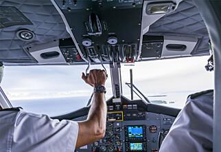 Da flyet manglet styrmann, ble redningen en av passasjerene