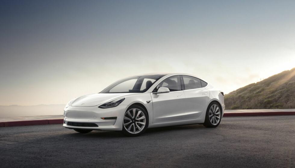 Ingen grill: I likhet med Model S er grillen fullstendig fraværende. Foto: Tesla