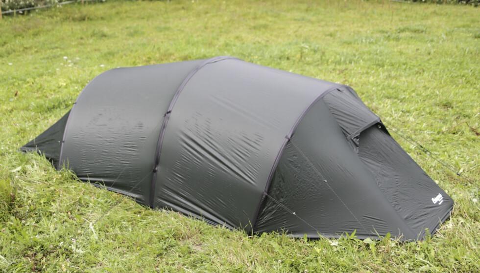 Lett å sette opp: Fargekoding og god merking gjør at teltet fra Bergans er lett å sette opp Foto: Øivind Lie-Jacobsen