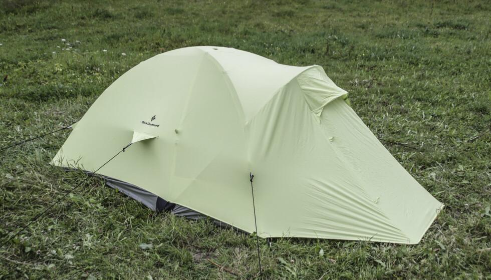 <strong>Lite fotavtrykk:</strong> Teltet fra Black Diamond passer for små teltplasser. Foto: Øivind Lie-Jacobsen