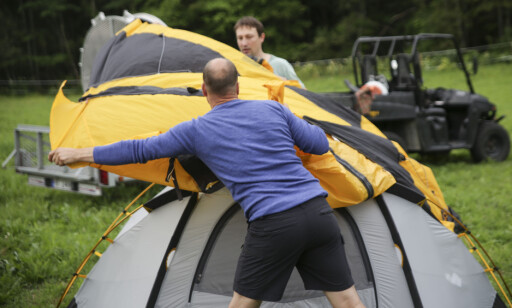 Kuppeltelt: De er stødige, men innerteltet må settes opp før ytterduken kan legges på. Det er ikke alltid heldig når det regner og blåser. Foto: Øivind Lie-Jacobsen