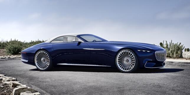 LAAAAANG: Mercedes-Maybach 6 som kabriolet er like stor som kupéen: 570 centimeter lang, 210 centimeter bred - men bare 134 centimeter høy, altså 20 centimeter lavere enn fornyede S-klasse. Foto: Daimler