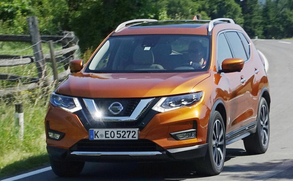SER DU FORSKJELLEN? Nissan X-trail er en av verdens mest solgte SUV-er. Nå har de gitt den en oppgradering. Foto: Rune M. Nesheim
