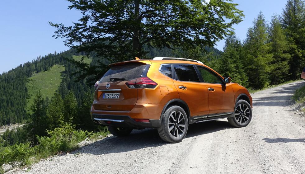 GOD FØLELSE: X-Trail føles tung og solid. Understellet trives godt utenfor asfalten. Foto: Rune M. Nesheim
