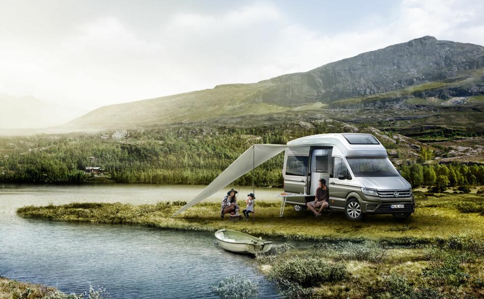 FOR FRILUFTSFOLKET: Camper-biler fra Volkswagen har vært blant oss i over 65 år. Nå viser nyttekjøretøy-divisjonen til den tyske giganten VW California XXL, en konseptbil basert på VW Crafter, i anledning caravan-messen i Düsseldorf. Foto: VW