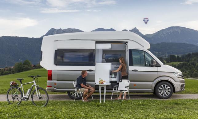 MEDBRAGT LEILIGHET: Bobil- og campingbilsalget er høyere enn noen gang og Volkswagen har ikke tenkt å gi seg med satsingen i camperbil-segmentet. Foto: VW