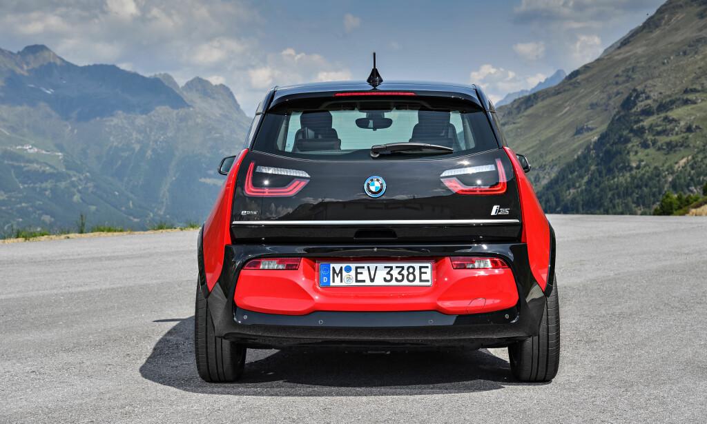 BREDDET: i3s-utgaven får bredere sporvidde for å gi den en mer sportslig look. Foto: BMW