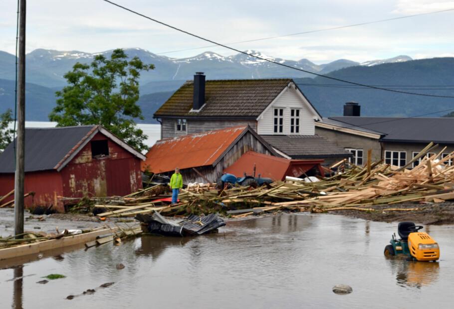 STORE ØDELEGGELSER: Pass på at du får erstatning for skadene, dersom flommen rammer. Foto: Hans Ivar Moss Kolseth / NTB scanpix