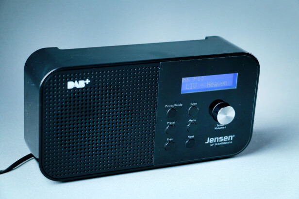 <strong>MINI-JENSEN:</strong> Fox 100 kan ikke sammenlignes med Jensens sagnomsuste Buddy-radio. Foto: Ole Petter Baugerød Stokke