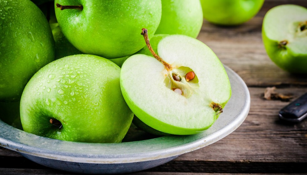 GRANNY SMITH HOLDER SEG BRA LENGE: Det er en av eplesortene som er lite utsatt for bruning - eller oksidasjon. Foto: Shutterstock/NTB Scanpix