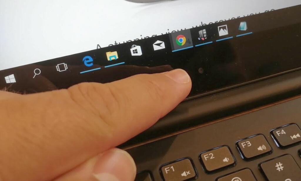 WEBKAMERA HER: Dell har plassert webkameraet under skjermen. Foto: Bjørn Eirik Loftås