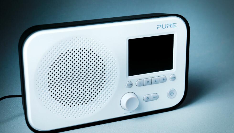 SMÅTTIS-PURE: Den britiske produsenten er kjent for sine staselige, større radioer. Elan 3 er en mini-utgave. Foto: Ole Petter Baugerød Stokke