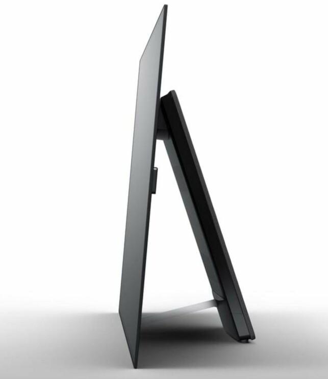 ENKELT OG EFFEKTIVT: Hele fronten er en høyttaler. Basen sitter i støtten bak. Foto: Sony