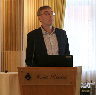 Gunnar Vittersø, forsker ved SIFO, la frem sitt bidrag om merkeordninger i Forbrukertrender 2017 på Hotel Bristol i Oslo torsdag. Foto: Eilin Lindvoll.