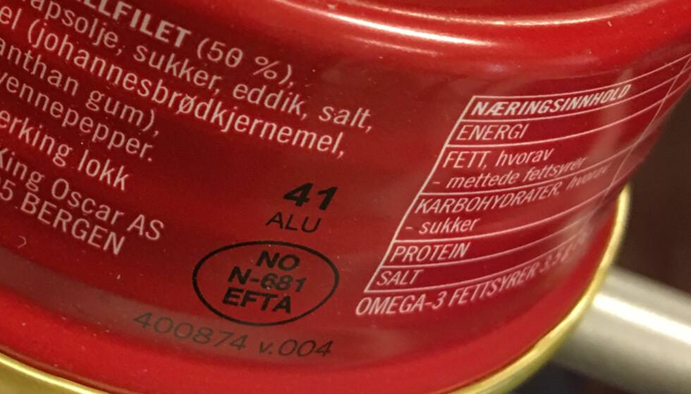 HVILKET LAND KOMMER MATVAREN FRA? NO røper at denne makrellen er produsert i Norge. Foto: Berit B. Njarga
