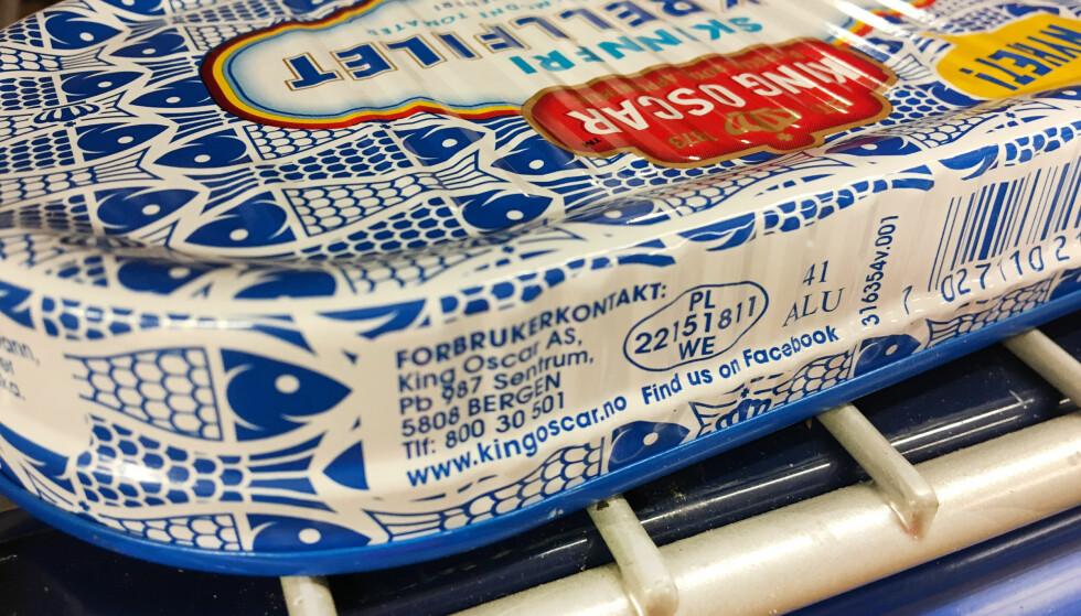 HVOR KOMMER MATVAREN FRA? Er du nysgjerrig på hvor maten du spiser kommer fra, bør du sjekke det ovale merket på emballasjen. Foto: Berit B. Njarga