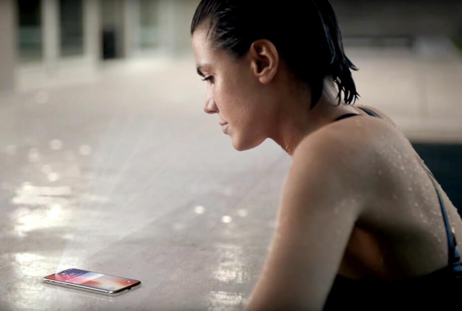 VIPPSE MED FJESET: Utviklerne i norske banker håper å kunne bruke iPhone X sin ansiktsgjenkjenning i stedet for fingeravtrykk. Foto: Apple