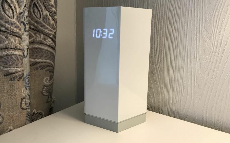FRØKEN UR: Nå håper vi alle ruterprodusentene følger F-Secures eksempel, og putter en klokke i displayet. Det er en meget god grunn til å ha den på en godt synlig, strategisk plass i boligen. Foto: Bjørn Eirik Loftås