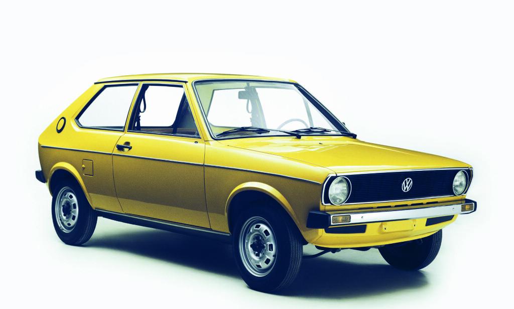 FØRSTE GENERASJON: I 1974 ble Audi 50 til VW Polo og suksess-dynastiet var født. Foto: VW arkiv
