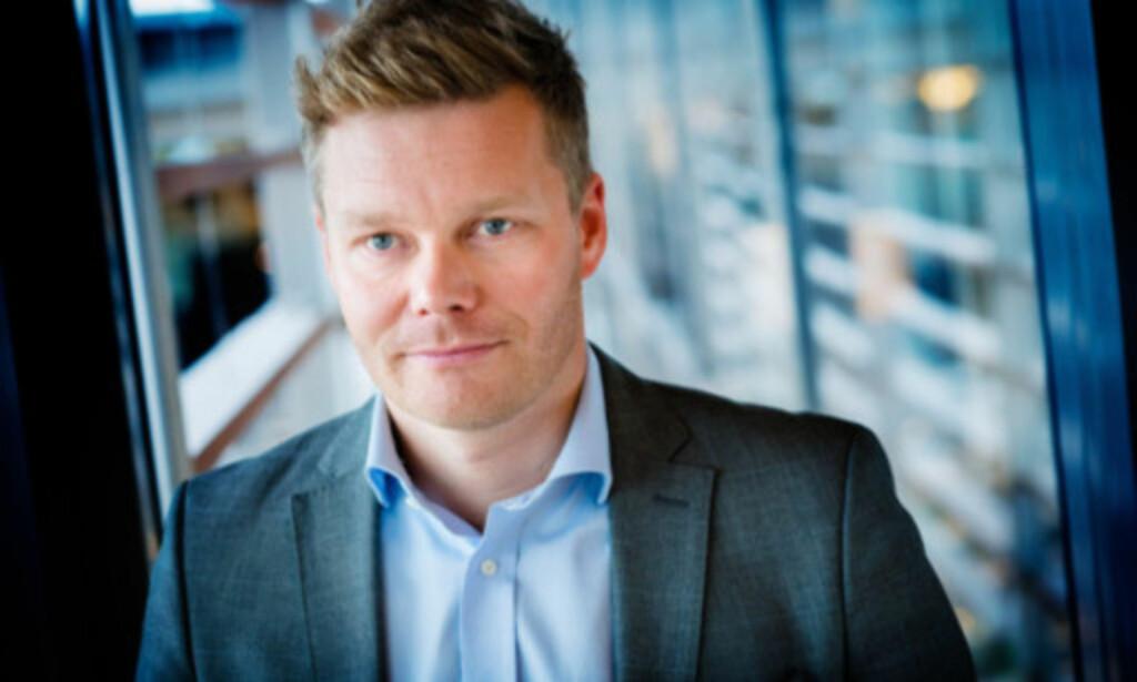 KRYPTERT: Kommunikasjonsdirektør Tormod Sandstø i Canal Digital avviser at det finnes et lovbestemt parallellsignal. Han er også klar på at det er ulovlig å drive på slik bokseselgerne på Facebook hevder at de gjør. Foto: Bjørn H. Stuedal/Telenor
