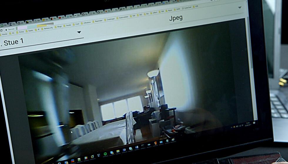 INNSYN: Også overvåkingskameraet inne i huset klarte Dale å skaffe seg tilgang til. Foto: NRK