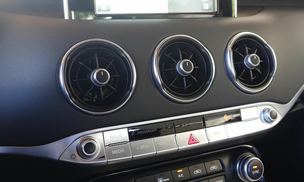 FRA MERCEDES? Dette partiet ligner ikke rent lite på designen man har hos Mercedes om dagen. Foto: Rune M. Nesheim