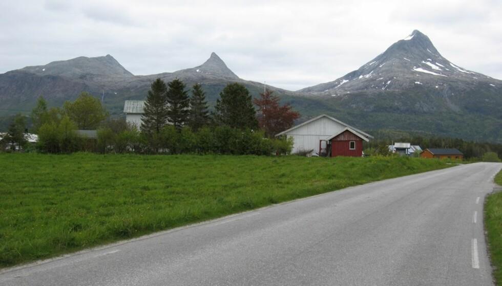 VILT OG VAKKERT: Den andre uka på sykkelsetet, og både vær og landskap blir bare finere og finere. Helgeland er dessuten fantastisk sykkelvennlig.