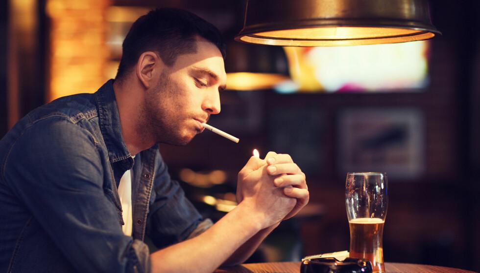 ØKTE AVGIFTER: Både tobakk, snus og alkohol blir dyrere med høyere avgifter. Foto: Shutterstock/NTB Scanpix