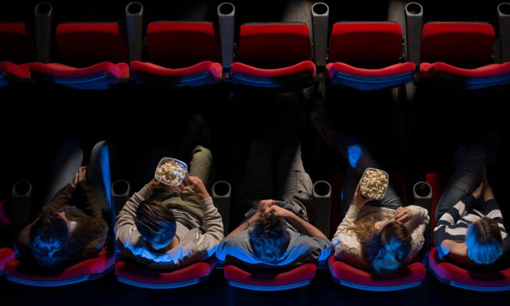 10 TIL 12 PROSENT: Dersom regjeringens forslag går gjennom, blir det høyere merverdiavgift blant annet på kinobilletten. Foto: NTB Scanpix